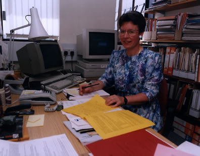 "Jocelyn Bell Burnell is a British <a href=""/the_universe/uts/ast_history.html"">astronomer</a> who was born in 1943. She discovered <a href=""/the_universe/NS.html"">pulsars</a> - <a href=""/the_universe/Stars.html"">stars</a> which emit periodic radio waves - in 1967. Burnell was a graduate student at Cambridge University when she discovered pulsars. Her professor, Antony Hewish, received the Nobel Prize in Physics for her discovery.<p><small><em>  The Open University</em></small></p>"